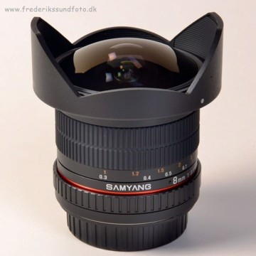 Samyang 8mm f/3,5 UMC Fish-eye CSII t/Canon