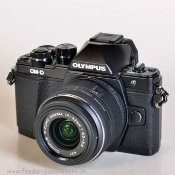Olympus OM-D E-M10 MK II 14-42mm II R Sort BONUS*