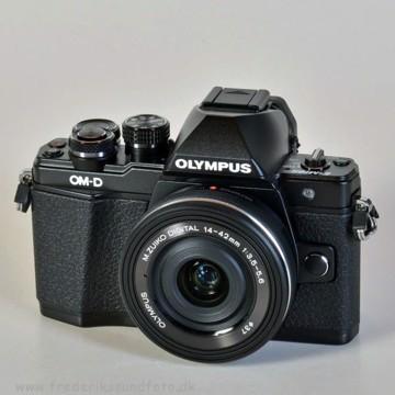 Olympus OM-D E-M10 MK II m/14-42mm EZ Sort BONUS*