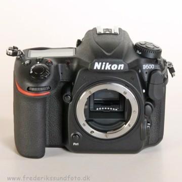 Nikon D500 Hus  front