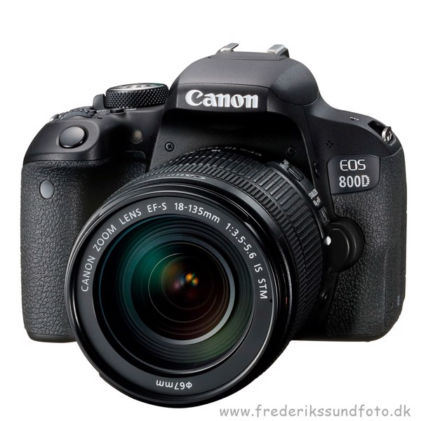 Canon EOS 800D m/18-135mm is STM *Cashback 300,-