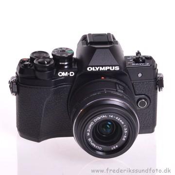 Olympus OM-D E-M10 MK III 14-42mm II R Sort