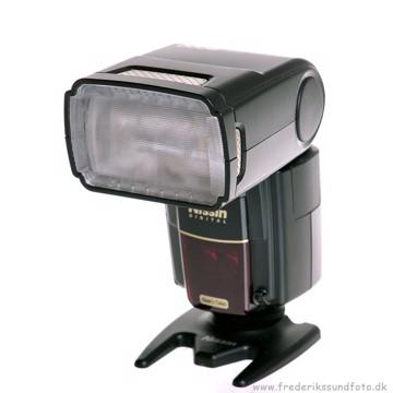Nissin MG8000 Flash til Canon
